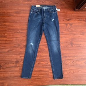 NWT Old Navy RockStar Mid Rise Super Skinny Jeans